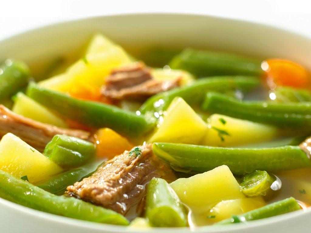 Erasco, Eintopf, Tellergericht mit Rindfleisch, Bohnen und Kartoffeln